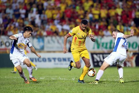 Cựu HLV Nguyễn Thành Vinh nói về cuộc đua trụ hạng V-League 2018 hình ảnh