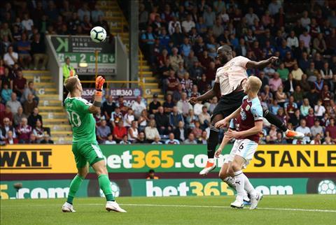 Những thống kê đáng nhớ sau trận Burnley 0-2 MU hình ảnh