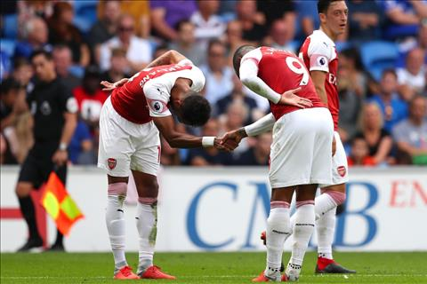 HLV Emery khen Aubameyang và Lacazette trận Cardiff vs Arsenal hình ảnh