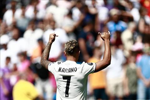 Tiền đạo Mariano Diaz mặc áo số 7 ở Real Madrid hình ảnh