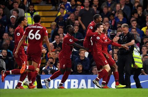 Sturridge giup Chelsea hoa Liverpool