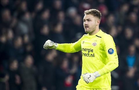 Barca muốn mua Jeroen Zoet của PSV hình ảnh