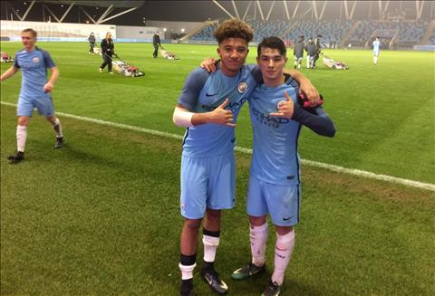 Jadon Sancho tiết lộ lý do rời Man City tới Dortmund  hình ảnh