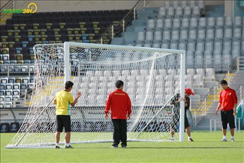 Chùm ảnh HLV Park Hang Seo cầu nguyện trước trận đấu với Iran hình ảnh
