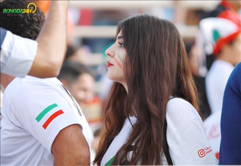 Ve dep cua nu CDV Iran trong tran dau giua Viet Nam vs Iran.