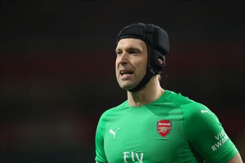 Petr Cech tuyen bo giai nghe