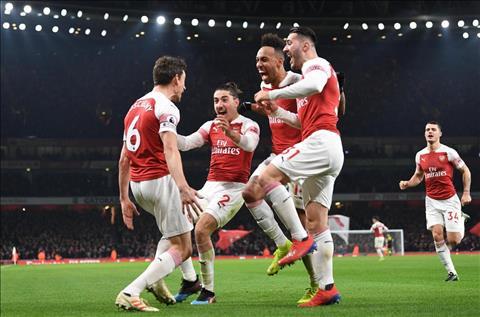 Arsenal thang Chelsea 2-0