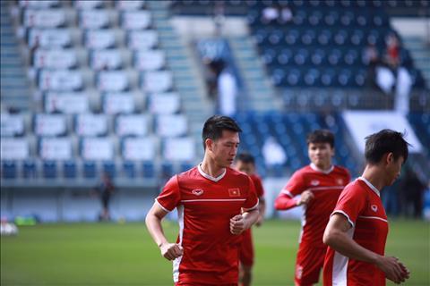 Huy Hung duoc da chinh thay Xuan Truong o tuyen giua