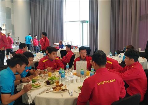 Che do dinh duong da gop phan lam cai thien the luc cua DT Viet Nam