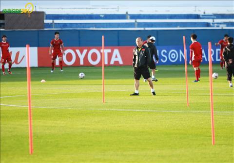 HLV Park Hang Seo dang dung truoc thu thach lon khi DT Nhat Ban duoc danh gia la ung vien vo dich Asian Cup 2019.