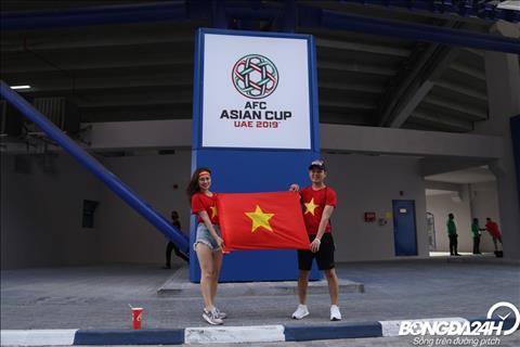 Hình ảnh CĐV Việt Nam trước trận tứ kết Asian Cup 2019 vs Nhật hình ảnh