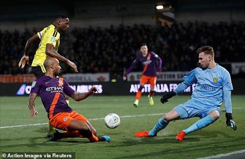 Trực tiếp Burton vs Man City bán kết lượt về League Cup hôm nay hình ảnh