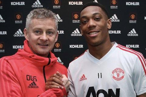 This is why Anthony Martial renews his contract with MU images