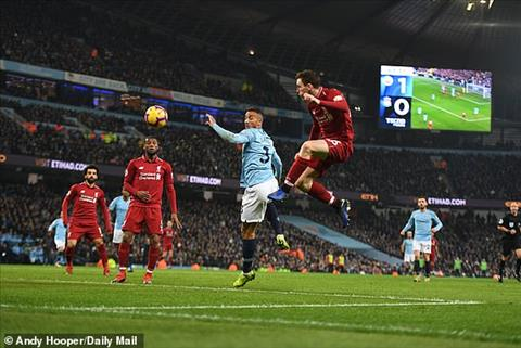 Man City vs Liverpool Robertson