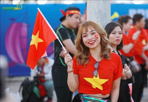 Cac CDV nu Viet Nam tai UAE cung cuong nhiet khong kem gioi may rau.