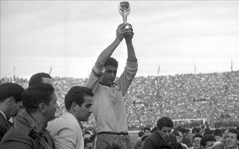 DT Brazil tai World Cup 1962 duoc khen ngoi vi theo duoi loi da tan cong.