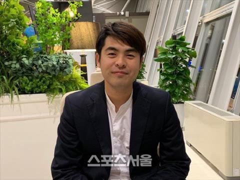 Đại diện của HLV Park Hang Seo bất ngờ tới Việt Nam hình ảnh