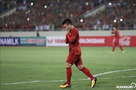 TRỰC TIẾP Việt Nam 1-0 Malaysia (H1) Quang Hải làm nổ tung cầu trường Mỹ Đình hình ảnh 3