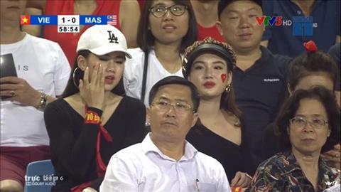 Thông tin hotgirl Đinh Ngọc Mai ở trận Việt Nam 1-0 Malaysia hình ảnh