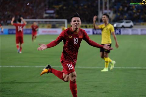 Quang Hai lap sieu pham vao luoi Malaysia va an mung