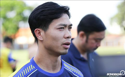 Cong Phuong thua nhan man trinh dien trong tran dau voi DT Malaysia chua duoc tot.