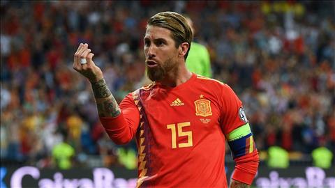 Đi vào lịch sử, HLV Robert Moreno ca ngợi Sergio Ramos hình ảnh