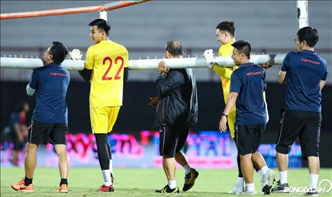 Hinh anh dang yeu cua thay Park trong buoi tap cuoi chuan bi cho tran dau giua DT Indonesia vs Viet Nam dien ra vao 19h30 gio dia phuong (18h30 gio Viet Nam) vao ngay 15/10.