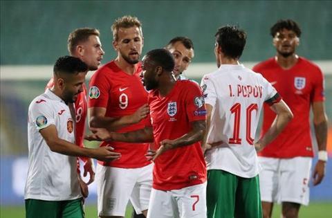 Bulgaria lấp liếm phân biệt chủng tộc, Jordan Henderson nổi giận hình ảnh