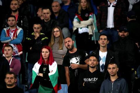 Lý do đáng quên khiến trận đấu Bulgaria vs Anh bị tạm hoãn 2 lần hình ảnh