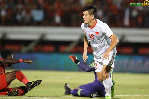 Tien Linh ghi ban vs Indonesia