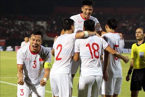 ĐT Việt Nam có thể thắng UAE nếu cứ đá như thế này hình ảnh