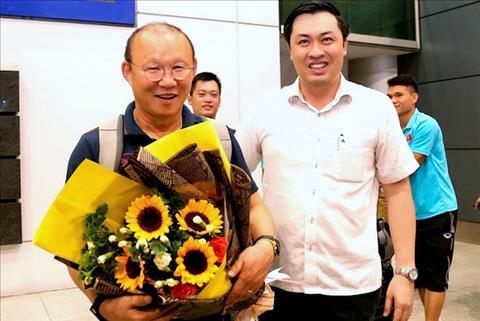 ĐT Việt Nam đã về nước trong sự chào đón của người hâm mộ hình ảnh