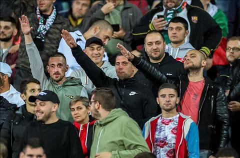 Berbatov xấu hổ vì nạn phân biệt chủng tộc ở quê nhà Bulgaria hình ảnh