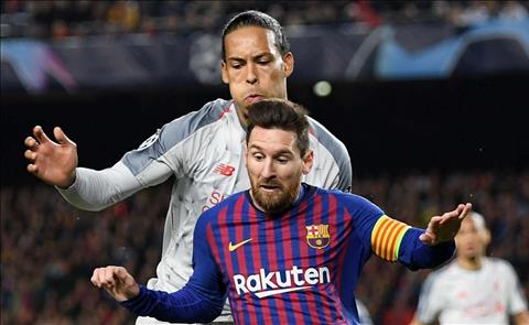 Van Dijk va Messi doi dau