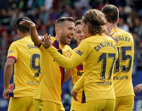 Barca danh bai Eibar 3-0