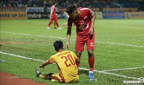Choi day no luc trong tran dau voi Viettel, Trong Hung van khong the giup Thanh Hoa co duoc niem vui tai vong 25 V-League 2019.