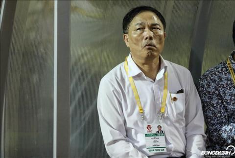 Bầu Đệ muốn V-League tiếp tục thi đấu hình ảnh