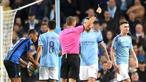 Pep Guardiola phản ứng với thẻ đỏ của Phil Foden hình ảnh
