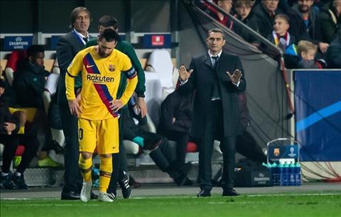 'Hút chết' trước Slavia, HLV Barca chua chát chấp nhận sự thật hình ảnh 2