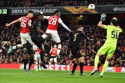 Arsenal 3-2 Guimaraes Cú đúp siêu phẩm đá phạt của Pepe giúp Pháo thủ thắng ngược đỉnh cao hình ảnh 3