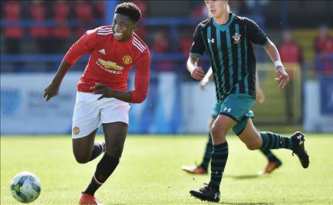 Cựu sao trẻ MU Ademipo Odubeko chính thức gia nhập West Ham  hình ảnh