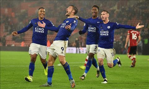 Southampton 0-9 Leicester Kỳ tích của cha con thủ môn Schmeichel hình ảnh