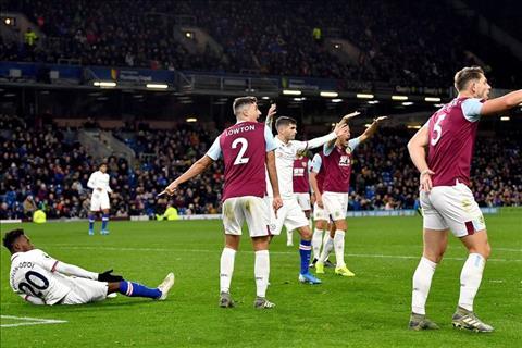 Thua bạc nhược, HLV Sean Dyche vẫn khiến Chelsea phải xấu hổ hình ảnh