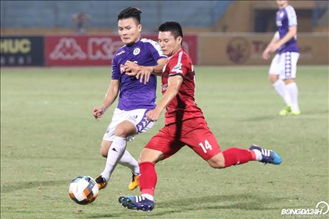 CLB TP.HCM gay ra nhieu kho khan cho Ha Noi FC voi loi choi quyet liet.