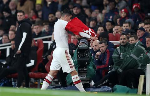 Hành xử kém cỏi, Granit Xhaka không còn tương lai tại Arsenal! hình ảnh