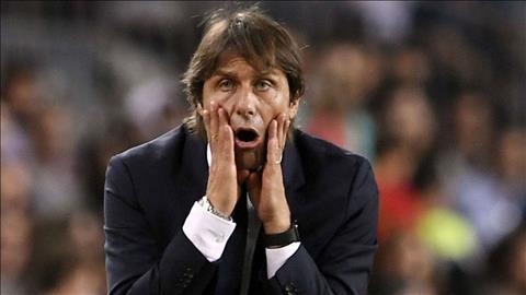 Trắng tay rời Barcelona, HLV Conte cay đắng chỉ trích trọng tài hình ảnh