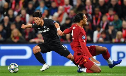 Virgil van Dijk mắc sai lầm trước RB Salzburg hình ảnh