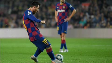 Lionel Messi đá phạt thành bàn trước Real Valladolid hình ảnh