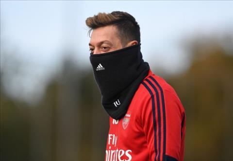 Mesut Ozil có động thái khiến NHM Arsenal ấm lòng hình ảnh