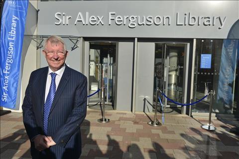 VIDEO Sir Alex nhắn nhủ sinh viên trẻ  hình ảnh